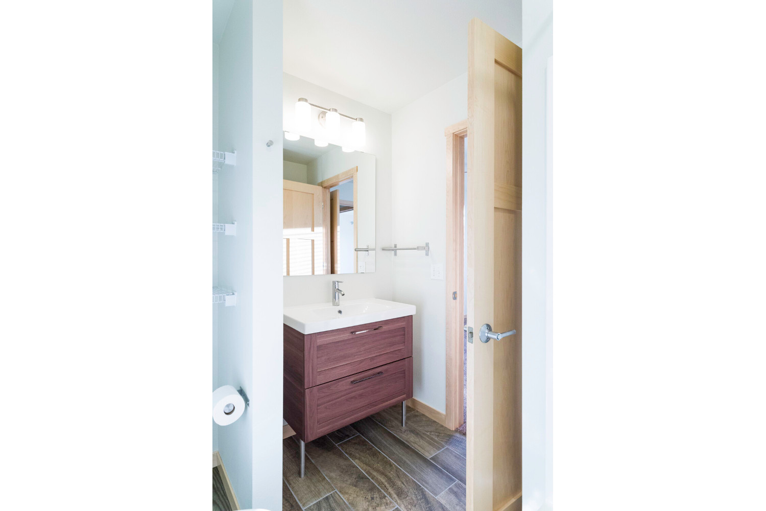 center-unit-master-bathroom