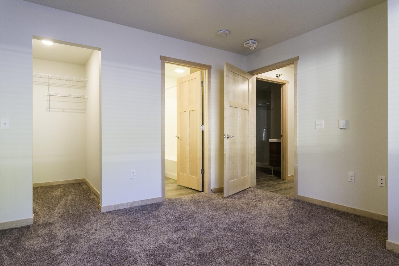 center-unit-master-bedroom