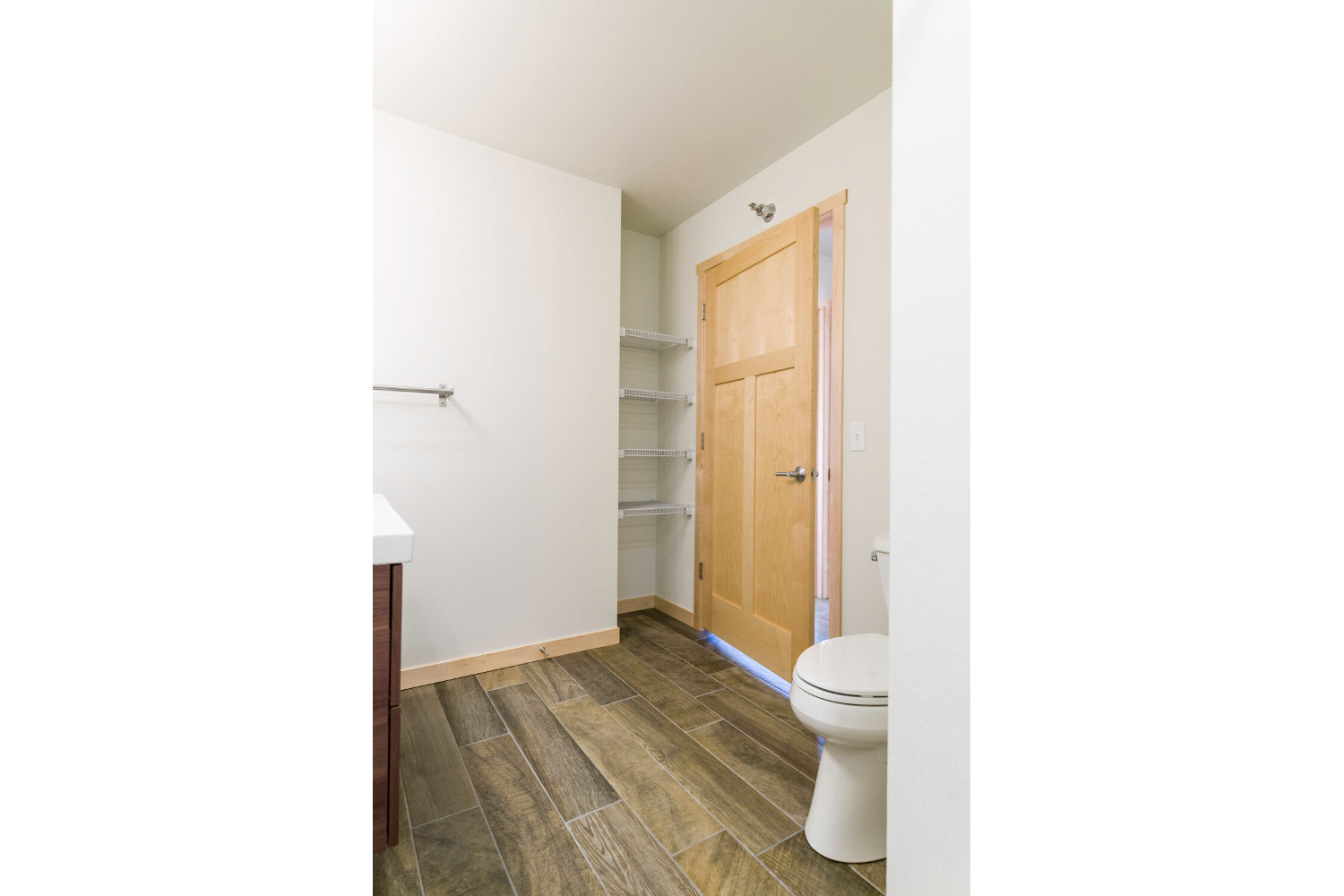 Center Unit Spare Bathroom Roush Rentals