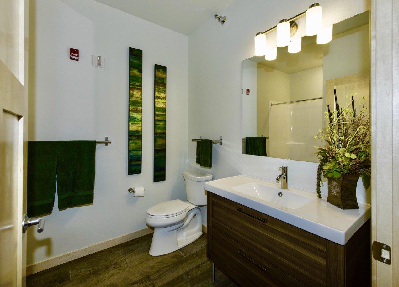 707 Spare Bath